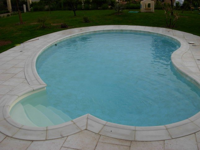 Monter sa piscine en kit for Kit piscine a debordement